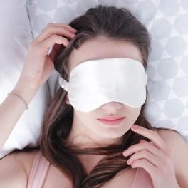 маска для сна молочного цвета